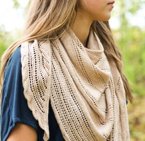 Summer lace shawl, knitting pattern by Bekah Knits. Knitting with cotton and bamboo.